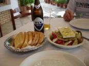 Stilida' da grek salata menüsü