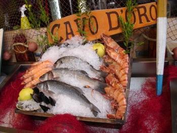 Taze deniz ürünleri