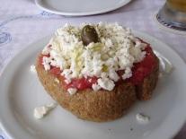 Dakos salatası