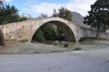 Preveli yolunda taşköprü