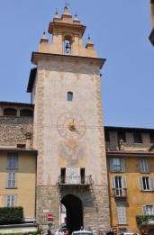 Bergamo saat kulesi
