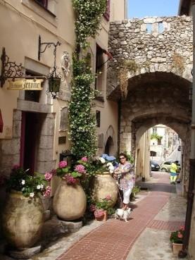 La Turbie sokakları