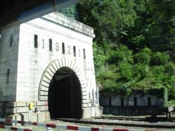 Simplon Tüneli girişi