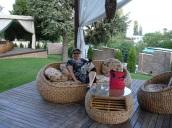 Burgaz, Balçık yöresinde otel bahçesinde