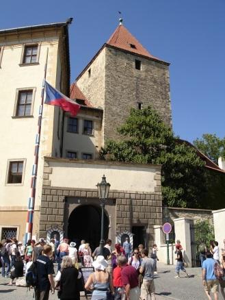 Prag kalesi alt girişi