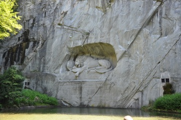 Luzern, ölen aslan figürü