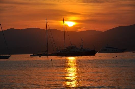 St Tropez'de gün batımı