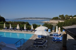Hapimag Porto Heli tesisi, karşıda Spetses adası