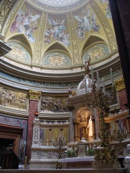 St.Istvan kilisesi içi