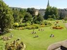 Bath' da güneş banyosu