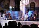 Korsanların gösterisi, LV