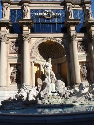 Roma Trevi Çeşmesi kopyası