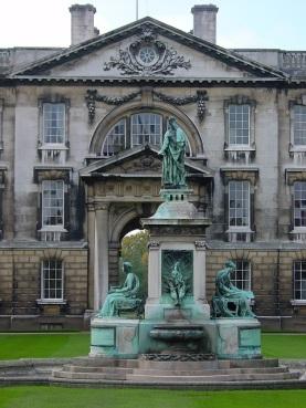 Üniversite bahçesi, Cambridge