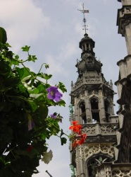 Neo-klasik tarz mimari (King's House kulesi)