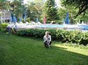 Suncity`de otel bahçesinde