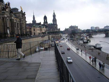 Dresden şatosu ve Elbe