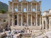 Efes antik kentinde kütüphane
