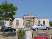 Zeytinli köyü meydanında eski kilise
