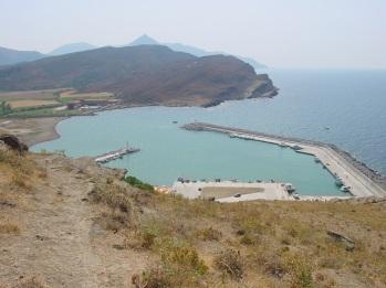 Gökçeada limanı (kale' den)