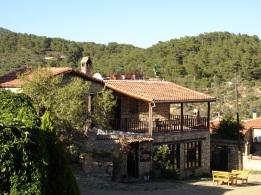 Yeşilyurt köyünde evler