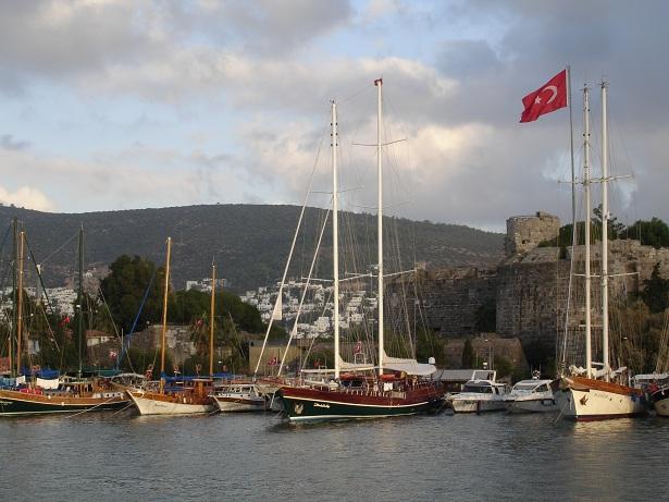 Bodrum kalesi ve limanı