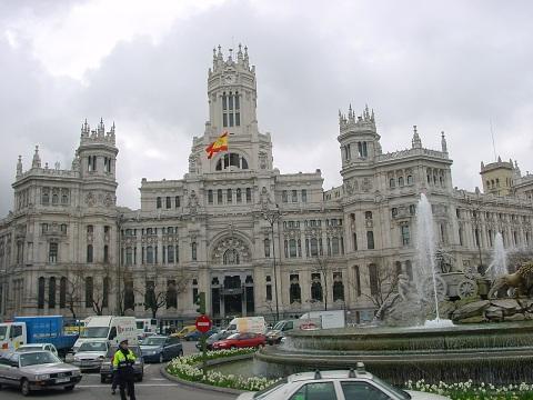 Cibeles Sarayı ve heykeli
