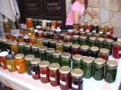 Sığacık pazarında reçel çeşitlemesi