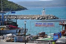 Sığacık liman girişi