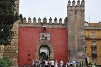 Alcazar Sarayı kapısı