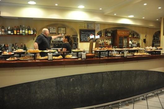 Fermin Calbeton'da bir Pinxhos bar