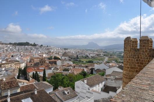 Kaleden Antequera (Arka planda meşhur dağ)