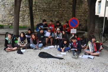 Liseli öğrencilerin konseri