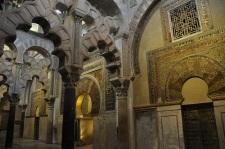 Büyük Camide çift kemer kullanımına örnek