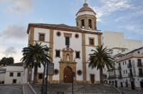 Merkezde kilise