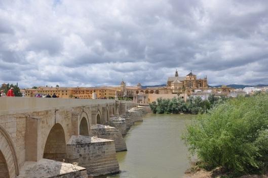 Roma köprüsü (Puente Romano) ve Cordoba