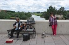Roma köprüsünde müzik