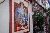Eski Marbella'da bir bar