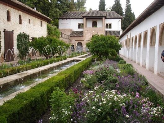 Generalife'ta sultan sarayının avlusu