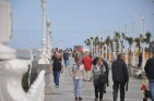 Gijon sahilinde yürüyüş