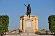 Peyrou meydanında L.Magno heykeli
