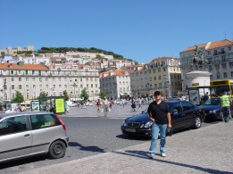 Praça da Figuiera, Kral 1.John heykeli ve Kale