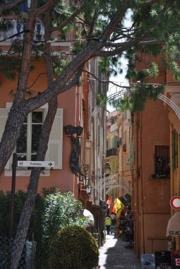 Saray çevresindeki sokaklardan birisi