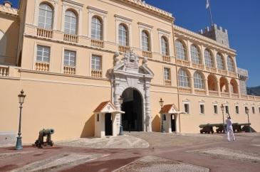 Sarayın cümle kapısı