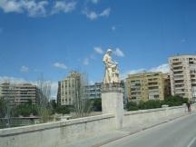 Turia nehri üzerindeki köprü