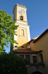 Kilisenin saat kulesi