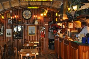 Mekezdeki bir kafe