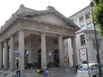 Aşağı şehirde tarihi bir yapı