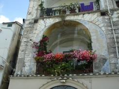 Çiçekli balkon