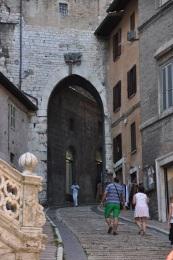 Şehir kapılarından birisi