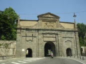 Eski şehirin giriş kapısı